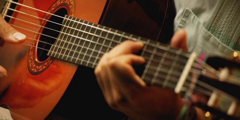https://gitarmonstr.ru/wp-content/uploads/2016/03/gitarist_classika.jpg